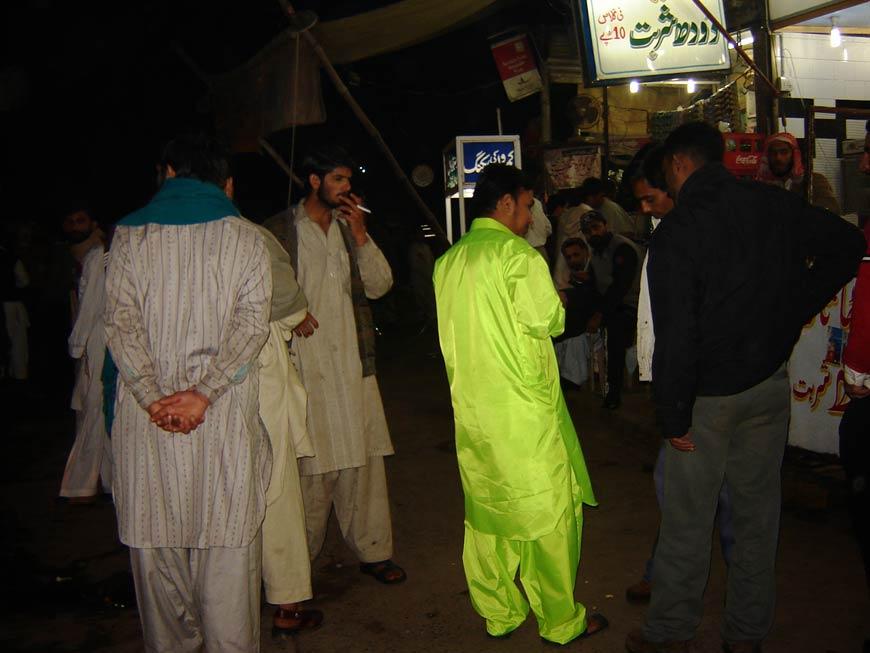 Raju GC, More of a Pakistani than everyone else (Irritation moment), Performance, approx. 5 hours, 2006; Photograph: Pradeep Thalawatta